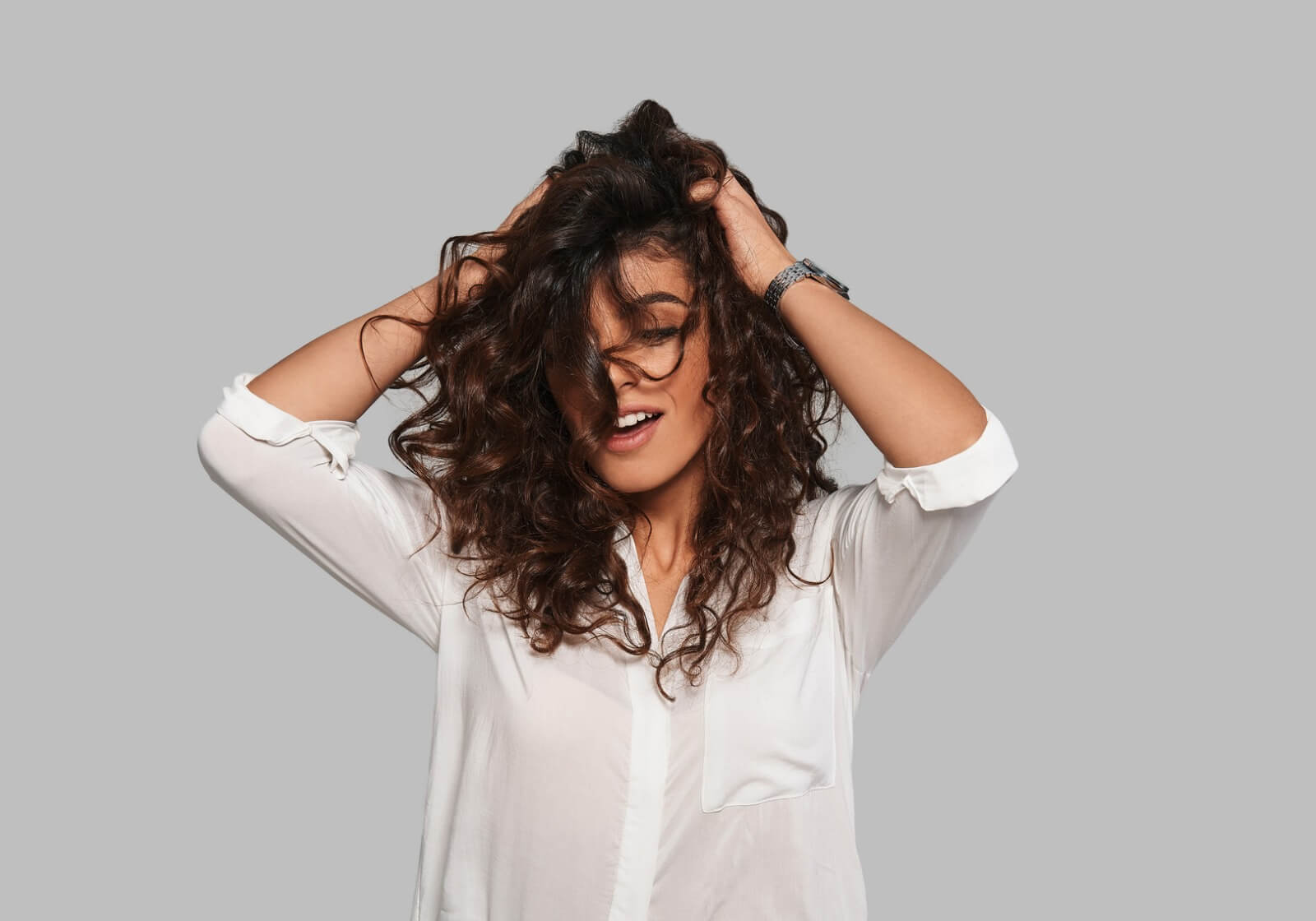 dandruff-vs-dry-scalp-symptoms-causes-remedies